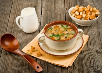 Šampinjonu zupa