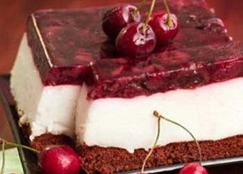 Jogurta – ķiršu kūka ar samazinātu tauku saturu