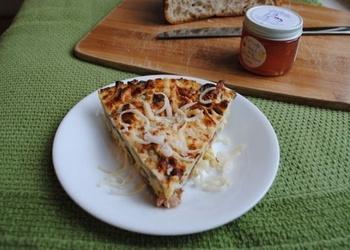 Omlete ar karamelizētiem sīpoliem un sēnēm