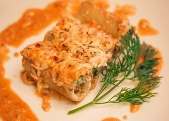 Ar maltu vistas gaļu pildīti makaroni