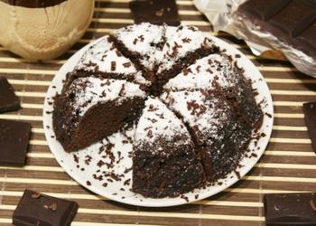 Šokolādes kēkss mikroviļņu krāsnī