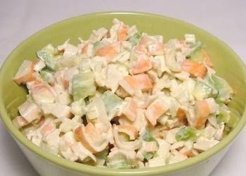 Avokado salāti ar bekonu un olu