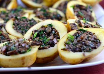 Картошка запеченная с грибами в духовке