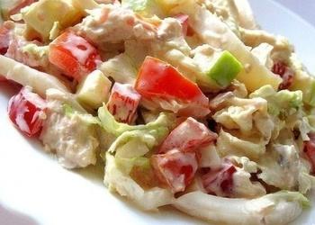 Mazkaloriju kalmāru salāti