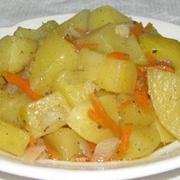 Картофель, тушеный с салом