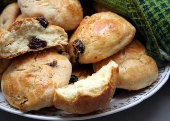 Rozīņu maizītes