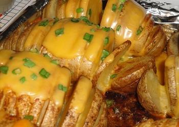 Cepti kartupeļi ar sieru
