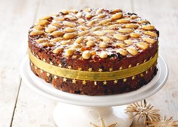 Zeltainā augļu kūka