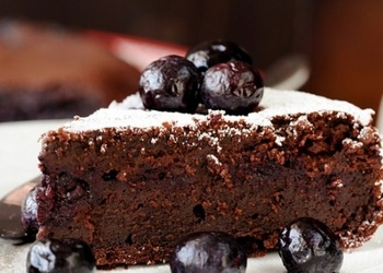 Šokolādes – ogu kūka