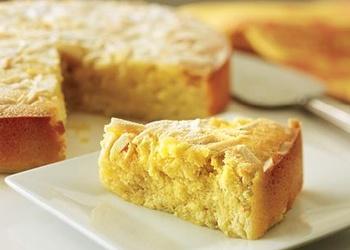 Mandeļu – ābolu kūka