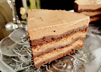 Mazliet savādāka šokolādes kūka