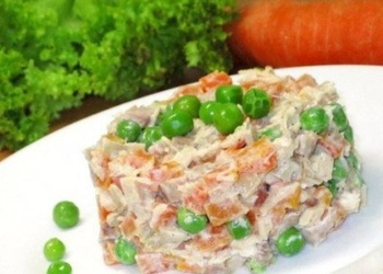 Vistas filejas un zaļo zirnīšu salāti