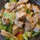 Sātīgie vistas filejas salāti