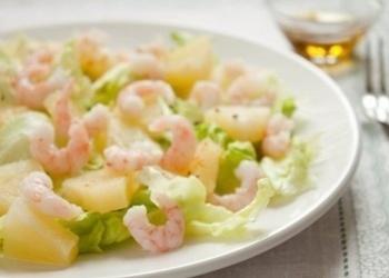 Garneļu salāti ar ananāsiem