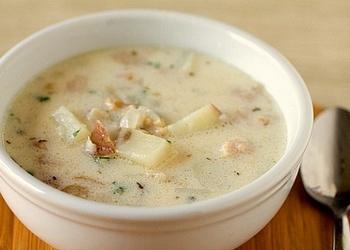 Mencu zupa ar speķi un saldo krējumu