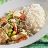Sautēti dārzeņi ar rīsiem un vistu