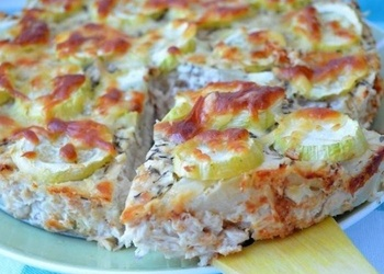 Vistas gaļas pīrāgs ar cukini un sieru
