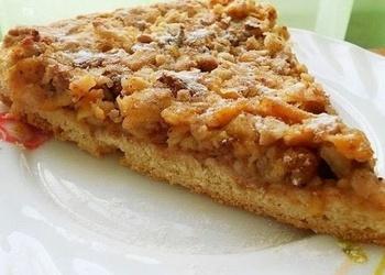Ungāru riekstu pīrāgs ar āboliem