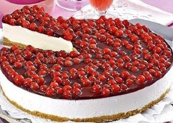 Neceptā sarkano jāņogu – biezpiena kūka