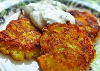 Kartupeļu pankūkas ar krējumu