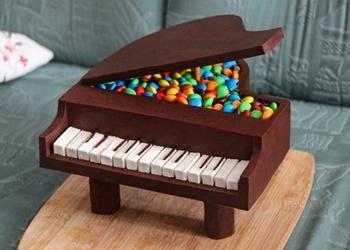 """Šokolādes torte """"Klavieres"""""""