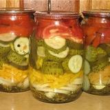 Gurķu un tomātu salāti