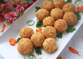 Zivju salātu bumbiņas