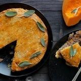 Siera mīklas pīrāgs ar liellopu gaļu un ķirbi