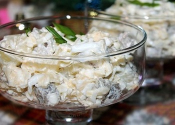 Салат из говядины с ананасами