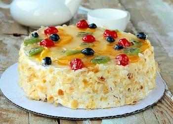 Torte ar augļu biezeni un krēmu