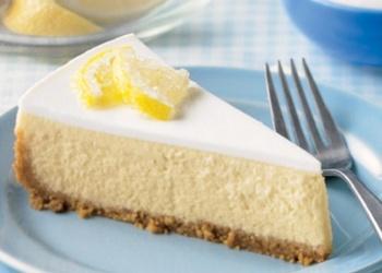 Skābā krējuma siera kūka ar vafelēm