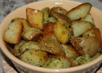 Ķiploku sviestā cepti kartupeļi