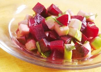 Biešu un ābolu salāti