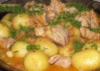 Gaļa ar dārzeņiem un jaunajiem kartupeļiem
