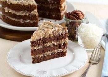 Šokolādes – kefīra torte ar vārīto krēmu