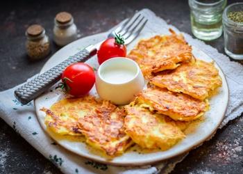 Biezpiena un kartupeļu pankūkas