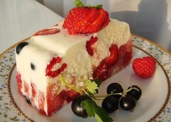 Viegla, vasarīga torte
