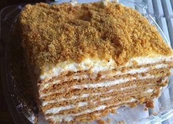 Skābā krējuma medus kūka