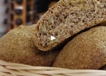 Kviešu kliju maizītes ar saulespuķu sēkliņām