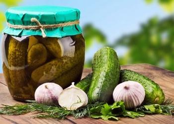 Marinēti gurķi ungāru gaumē