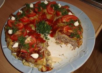 Kabaču sacepums ar rīsiem, malto gaļu un sēnēm