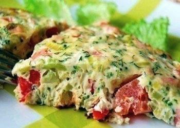 Dārzeņi maigā omletē
