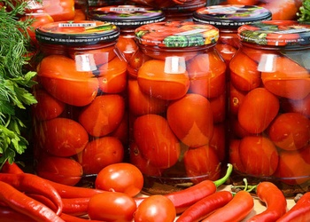 Konservēti tomāti ziemai