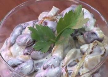 Sēņu un pupiņu salāti