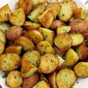 Krāsnī cepti kartupeļi meksikāņu gaumē