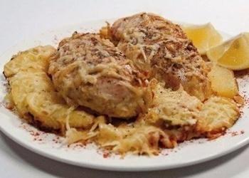 Krāsnī cepta vistas gaļa ar saldo krējumu un sieru