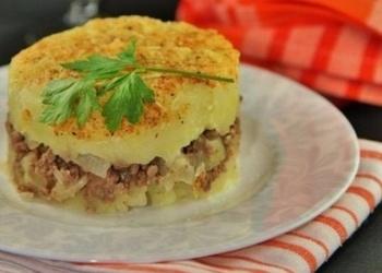 Kartupeļu sacepums ar liellopu malto gaļu un sieru