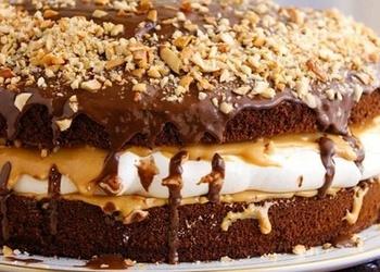 Šokolādes torte ar bezē