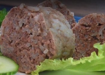 Tvaicēta ķiploku liellopu gaļas desa - Video recepte