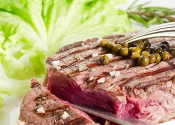 Liellopa steiks sarkanvīna etiķa marinādē